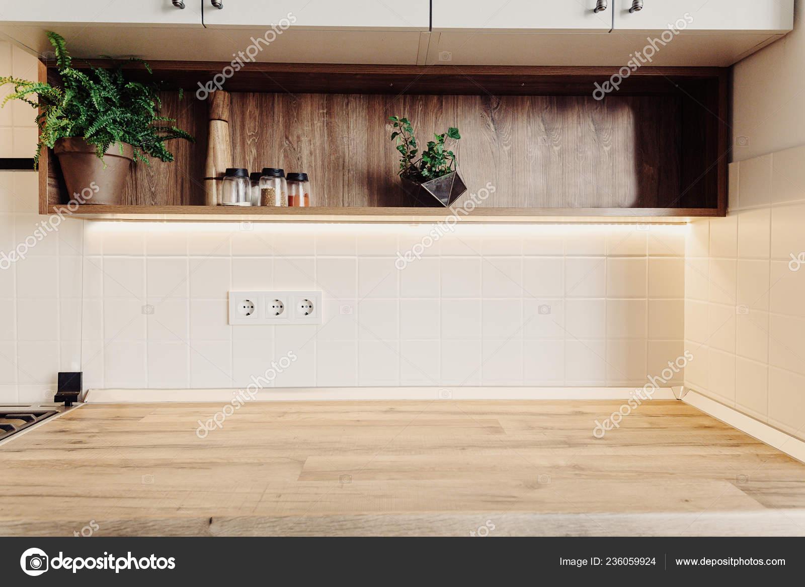 Mobili Cucina Moderna Lusso Colore Grigio Piano Legno Spazio ...