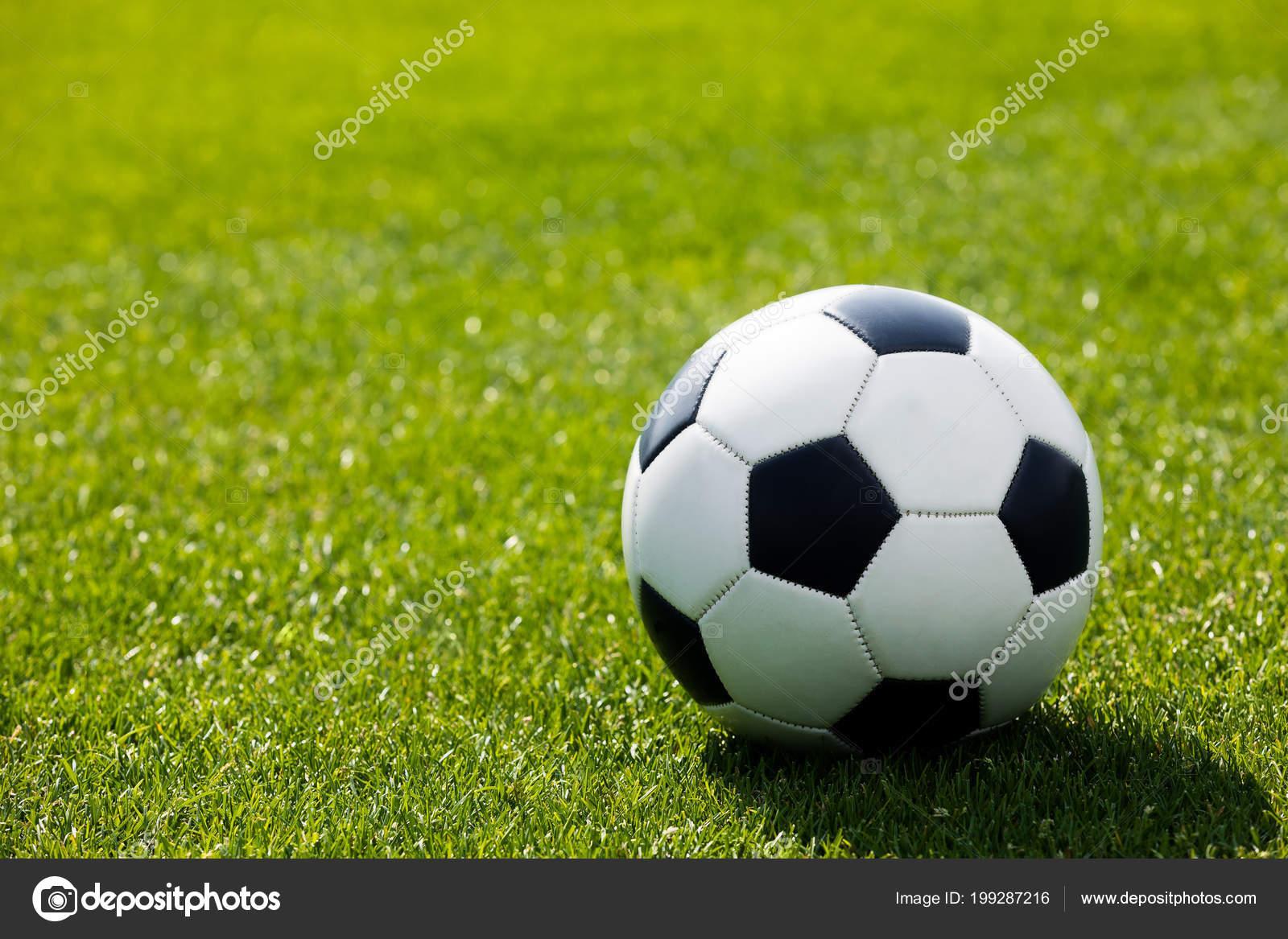 Pelota Futbol Campo Hierba Campo Fútbol Hierba Verde Césped Sintético —  Foto de Stock a95cadba3eb54