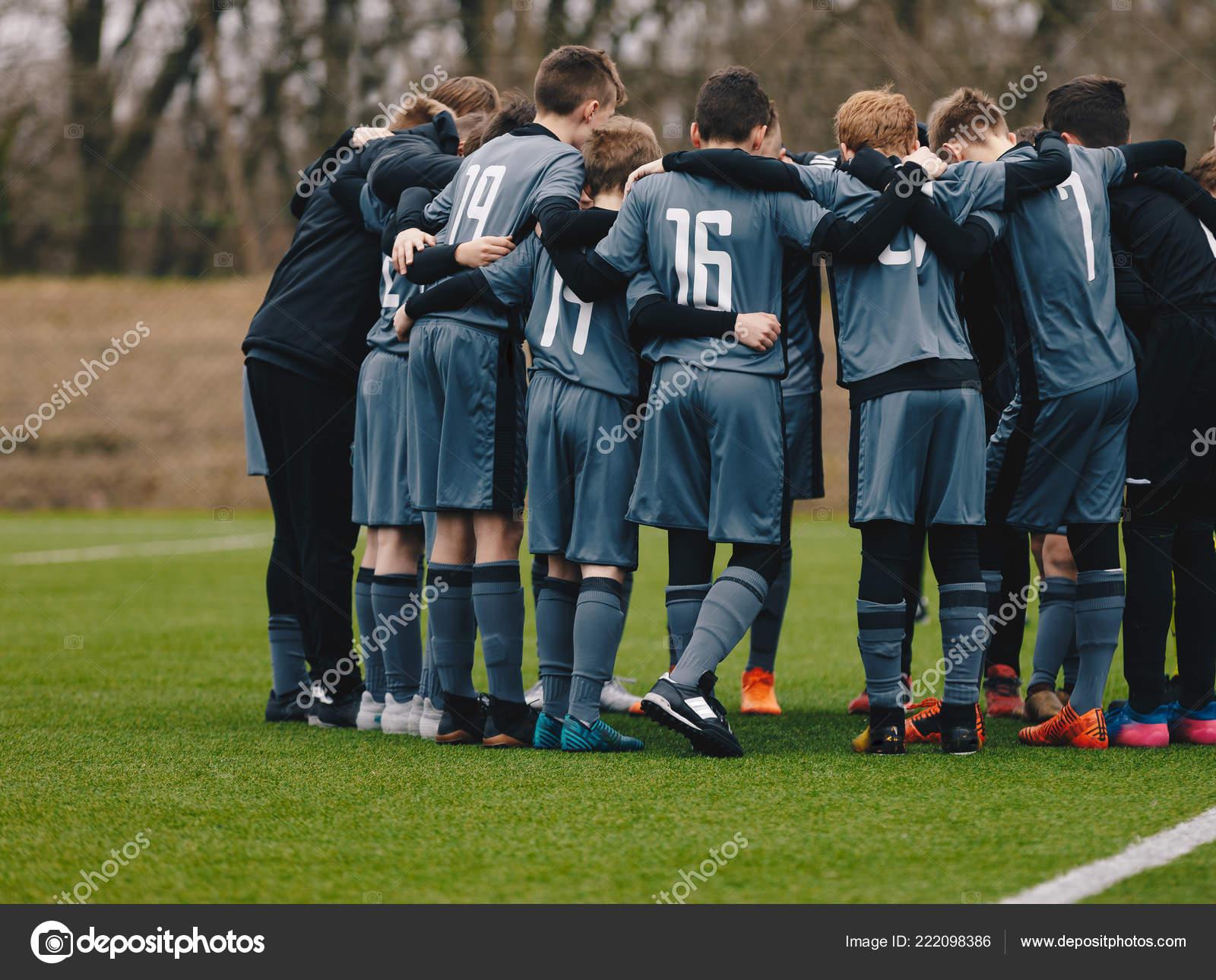 Equipo Fútbol Haciendo Canto Motivacional Pre Juego Jóvenes