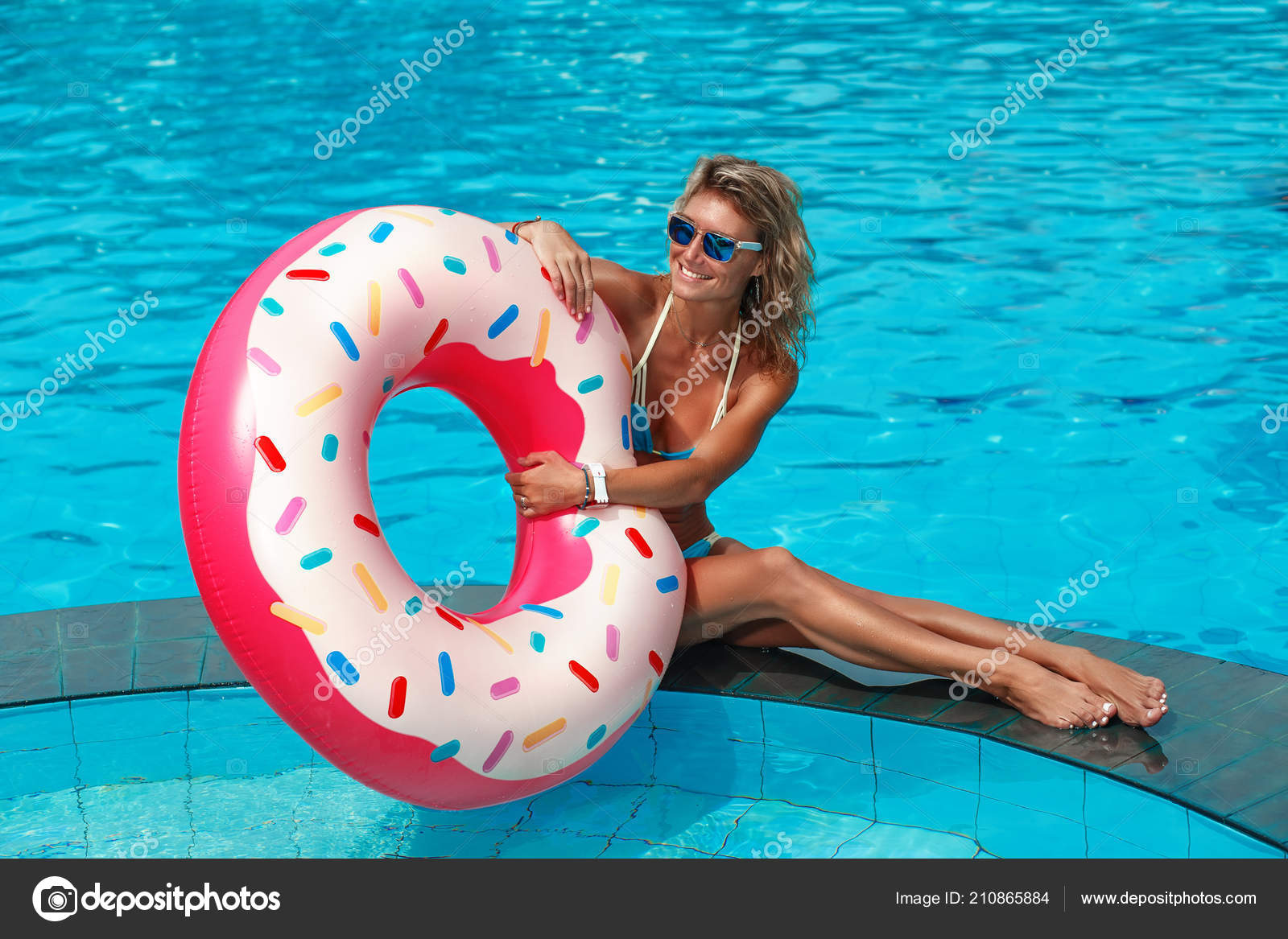 Young Beautiful Woman Relaxing Swimming Pool Rubber Ring ...