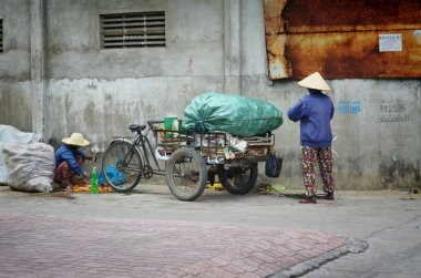 Ho Chi Minh city, Vietnam-October 3, 2018.Vietnamese homeless people collect garbage