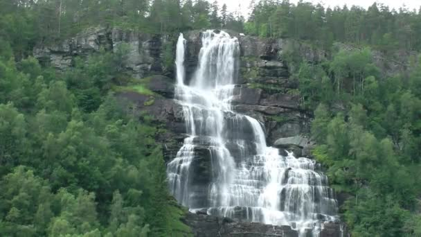 Velký kaskádový vodopád, Norsko