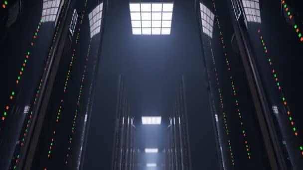 Bewegt sich langsam durch dunkle Server Raum datacenter