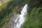 Zobrazte krása alpských inspirující Krimml vodopád v horách. Treky v národním parku Vysoké Taury, Rakousko, Evropa