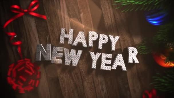 Animovaný text šťastný nový rok closeup, dárkové krabičky a zelené větve stromů s míčky na pozadí. Luxusní a elegantní dynamický styl šablony pro zimní dovolenou