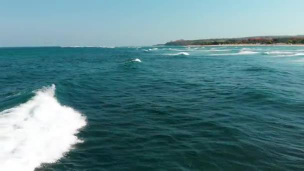 vlny oceánu pohybu vody