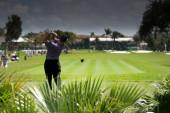golfista na golfovém hřišti