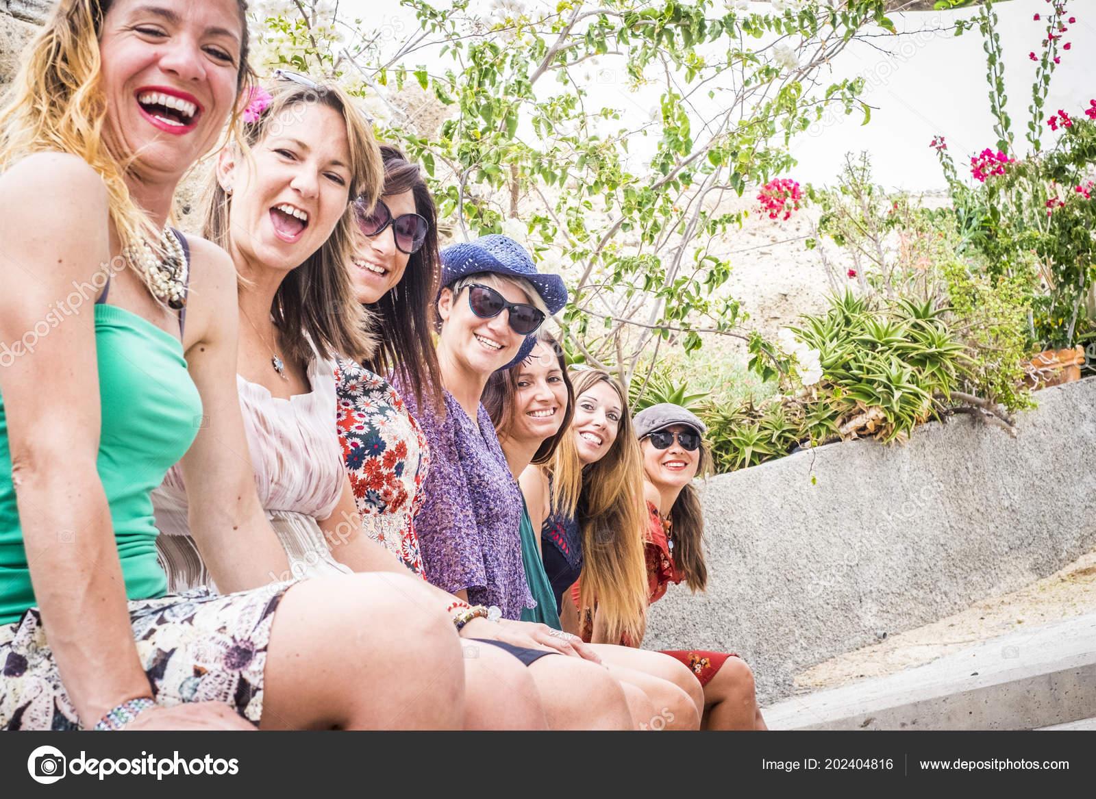 Много девушек вместе фото — pic 7