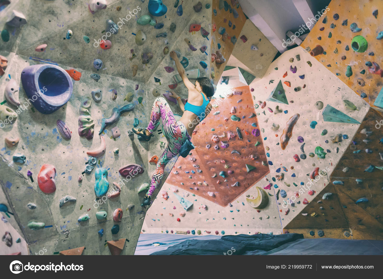 Strength Endurance Training Climber Trains Climbing Wall