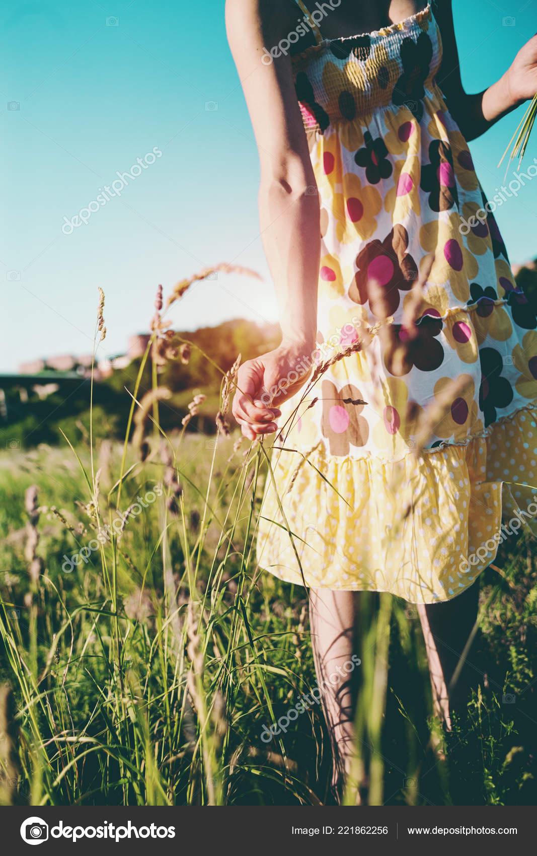 Vestido Flores Silvestres Una Arranca Mujer Verano Chica Las ybf76gvImY