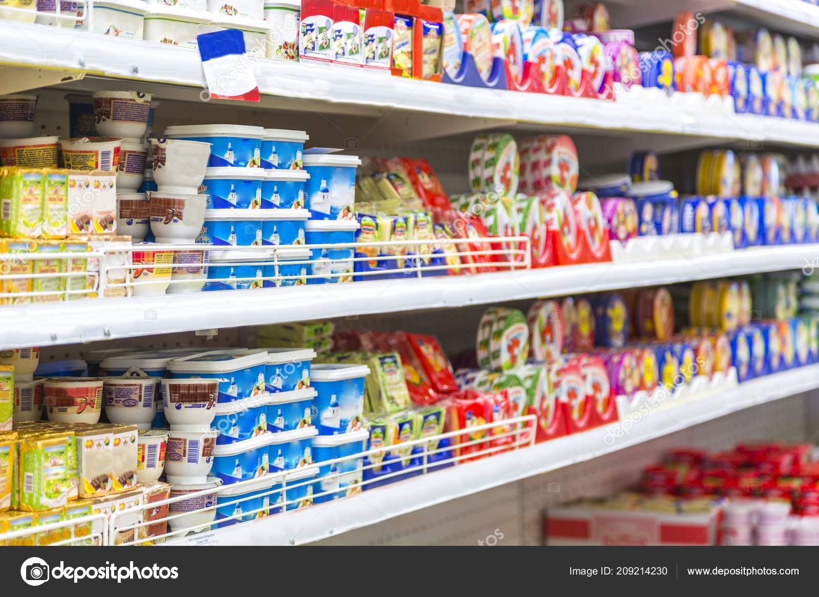 Foto Scaffali Supermercati.Scaffali Del Supermercato Shopping Memorizzare Corridoio