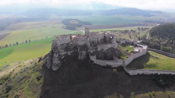 Vzdušný výhled na hrad Security Parameters indexes. Slovensko. Starověký hrad, Spissky hrad.