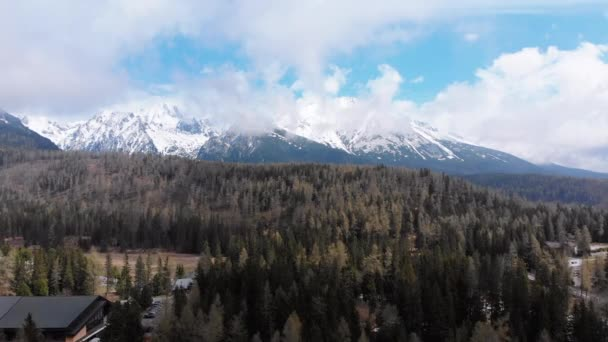 Vzdušný pohled na Strbske Pleso Resort v pohoří High Tatras. Slovensko