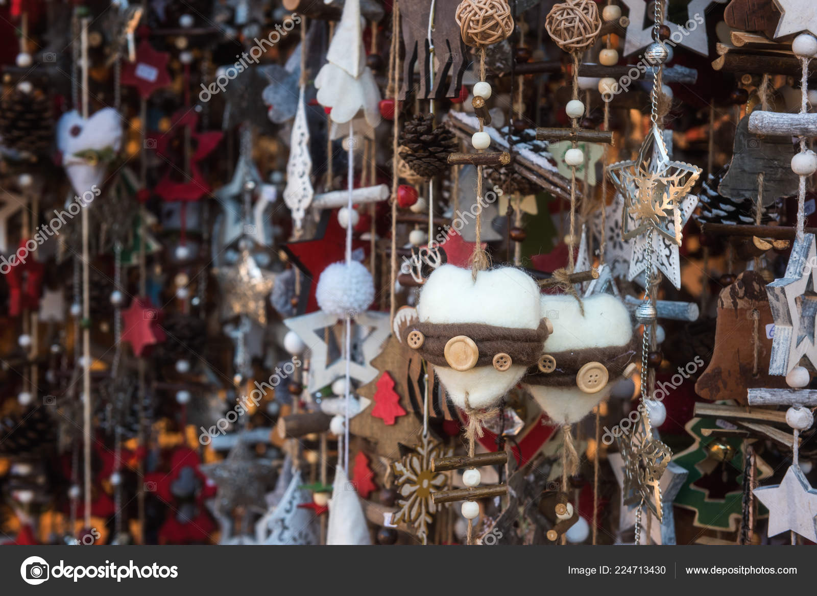 Christmas decorations handmade for sale at the Christmas Market in Vienna, Austria. Selective focus– stock image