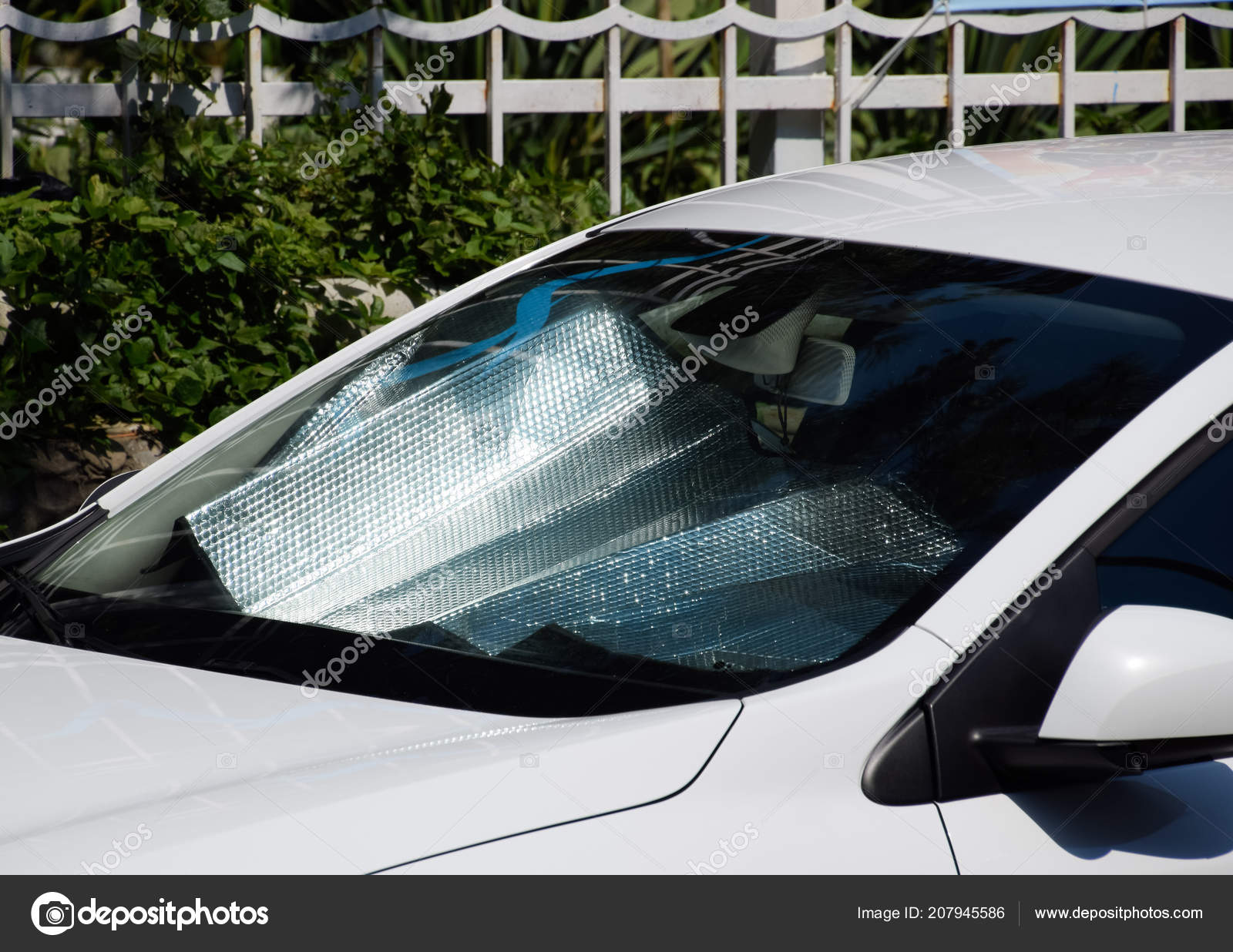 Protection Of The Car Panel From Direct Sunlight Sun Reflector
