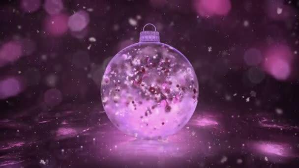 Vánoční růžové ledu skleněná cetka dekorace sněhová barevné lístky na pozadí smyčky
