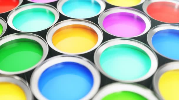 3D animace nádherných barevných plechovek barvy, skupiny cínových kovových plechovek s barevným barvivem: modrá, zelená, žlutá, tyrkysová, růžová a červená barevná barva. Smyčkové animace, plynulé pozadí.