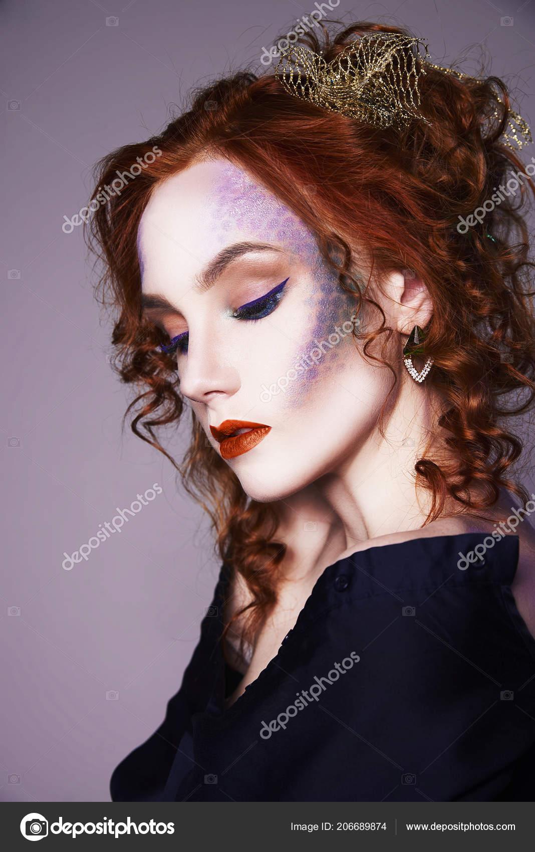 Junge Rote Haare Frau Mit Bunten Machen Beautiful Ingwer Mädchen