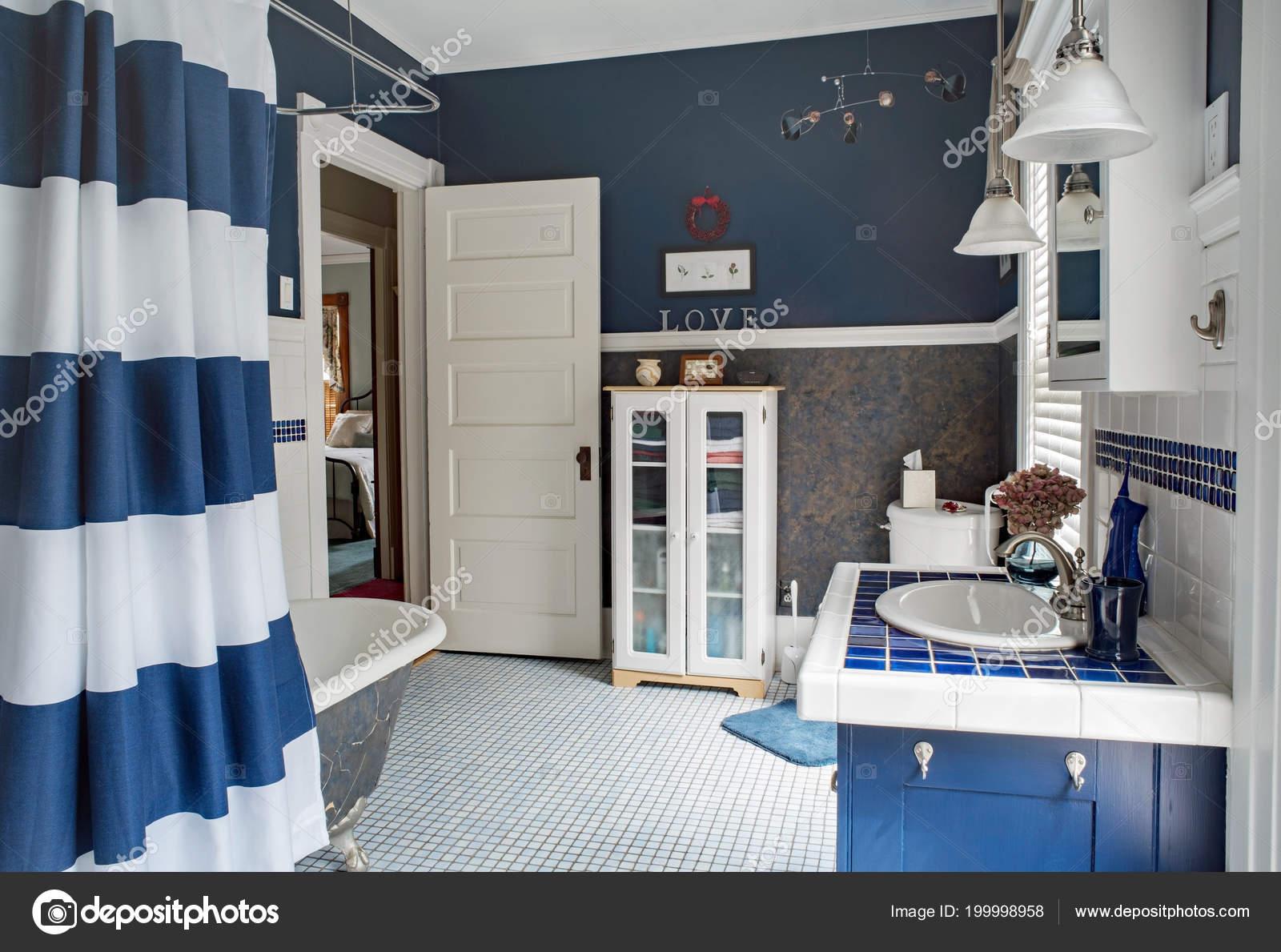 Mise Jour Grande Salle Bain Bleu Blanc — Photographie ...
