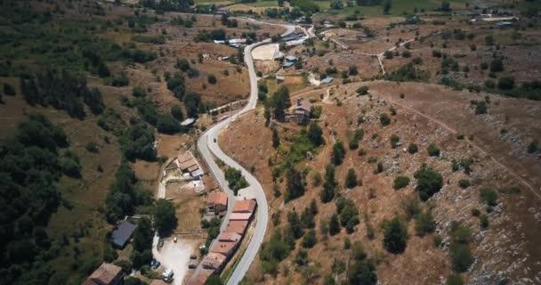 Drone légi felvételeket video - panoráma Tagliacozzo, Olaszország Aq.