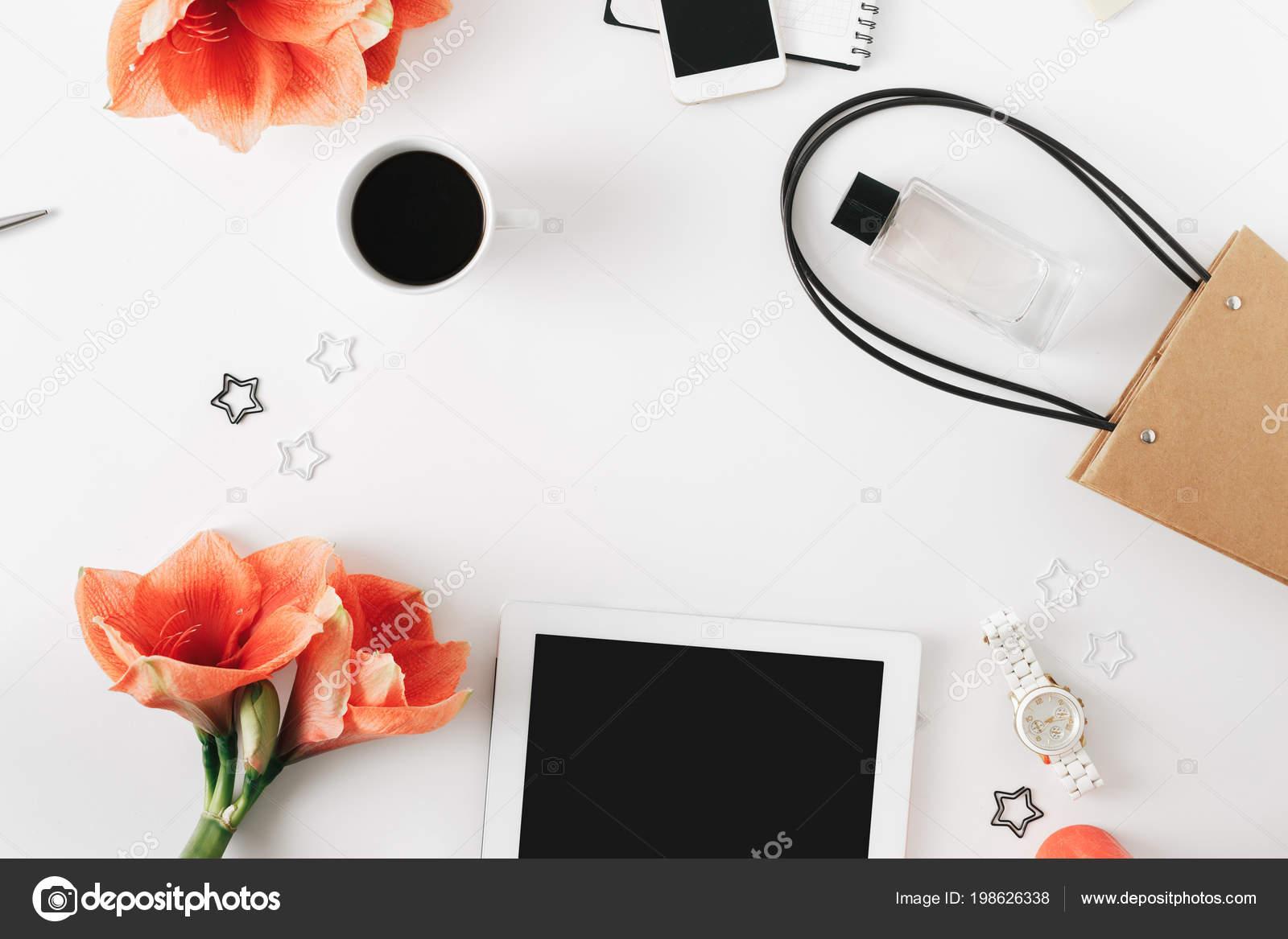 Online Shopping Konzept Tabelle Ansicht Von Oben Flache Laien Rahmen ...