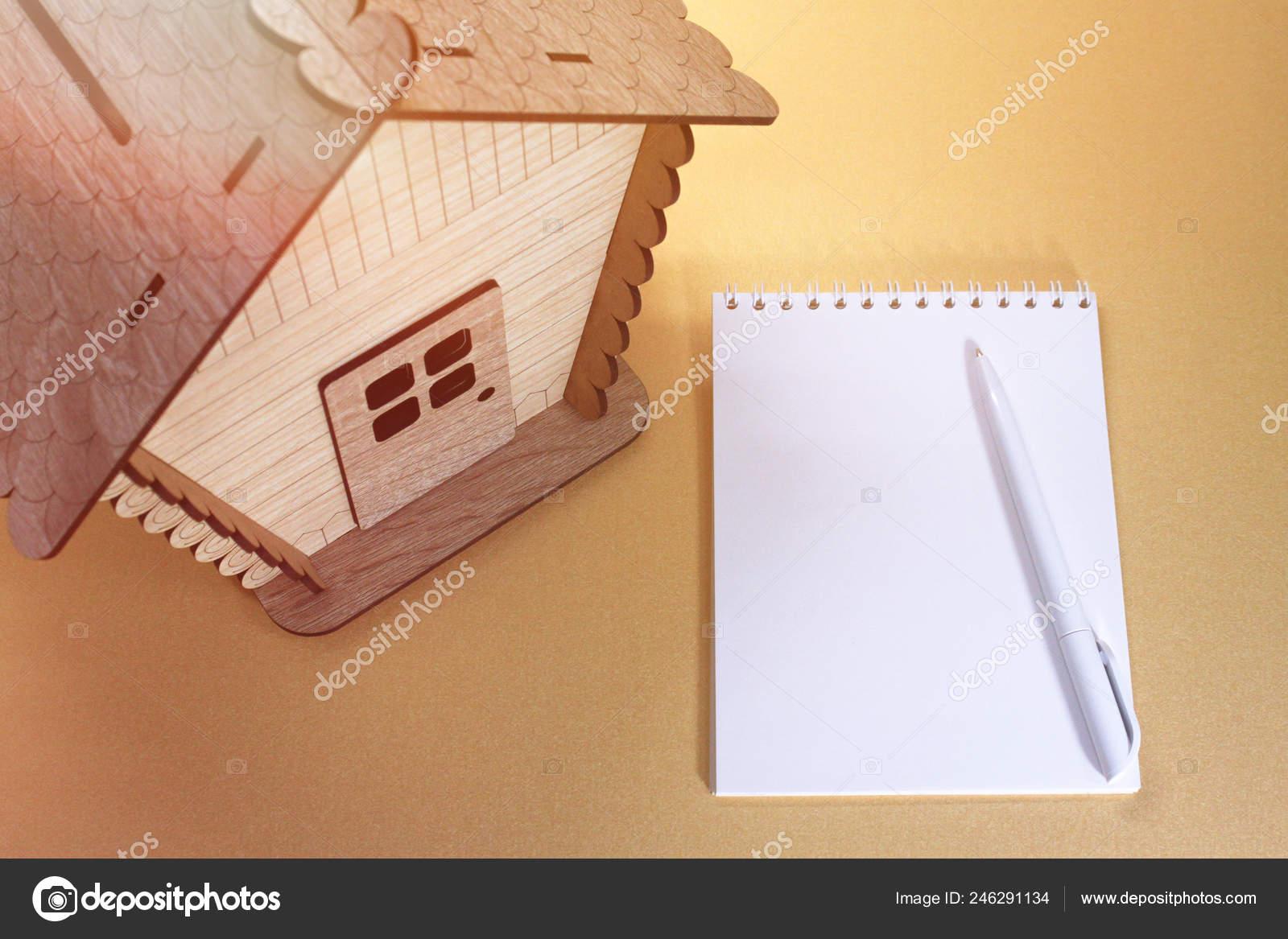 Modelo Cerca Casa Madera — De Juguete Cuaderno Foto 9EDIWYH2