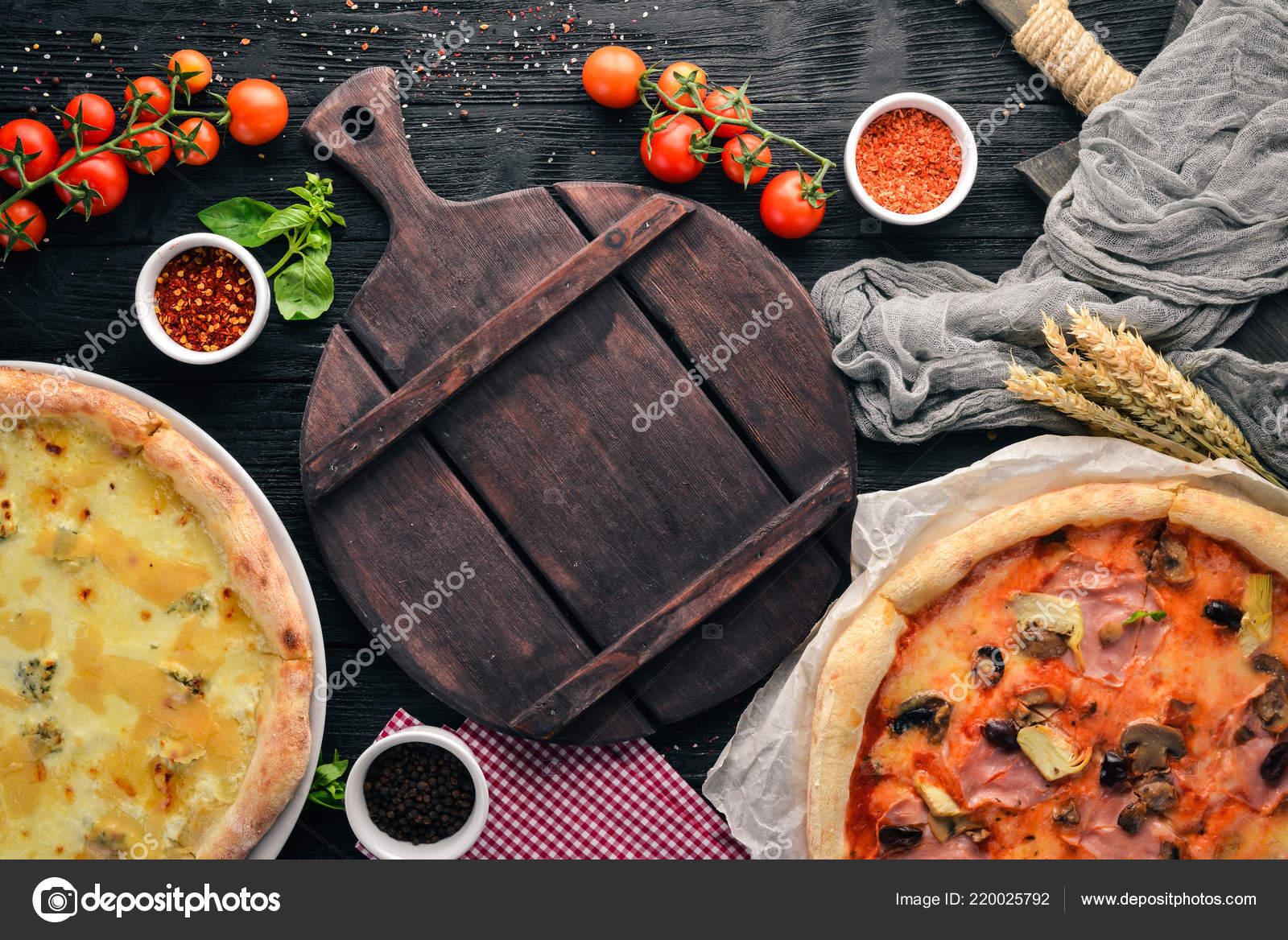 Juego Pizza Italiana Cocina Italiana Sobre Fondo Negro Madera Espacio U2014  Foto De Stock