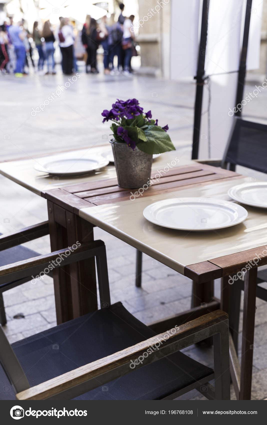 Mesas Decoración Con Jarrones Terraza Elegante Restaurante