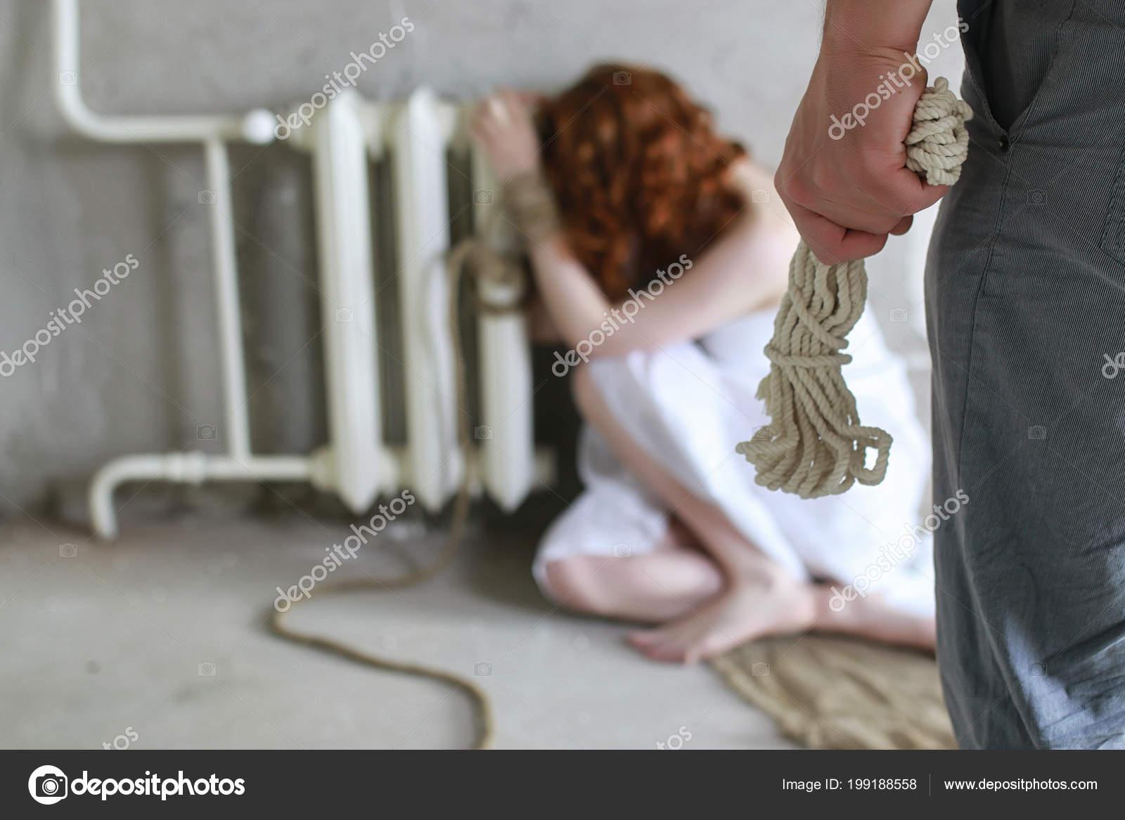 Похищение с аналом, Похищение анал - видео rating Flesh Hole HD 24 фотография