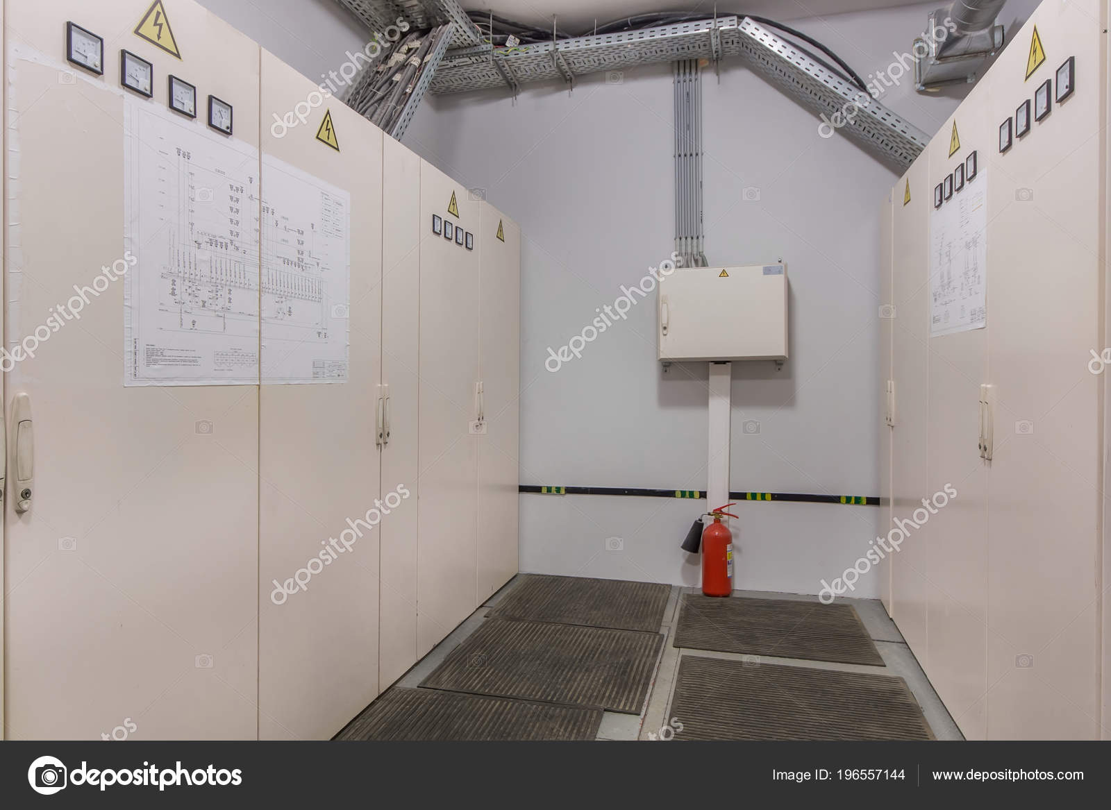 Electrical Switch Panel Switchgear Room — Stock Photo © Domkrugom ...