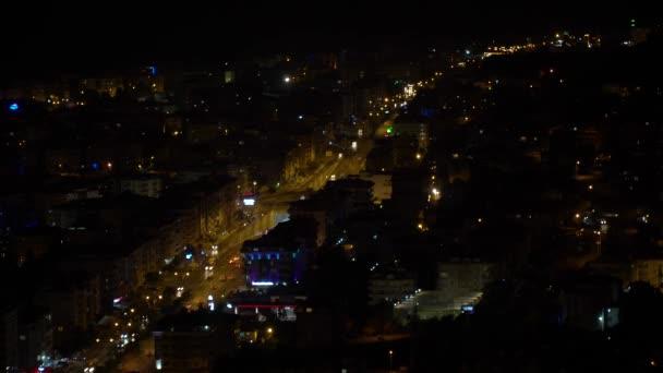 Pohled z hory v noci v Alanyi