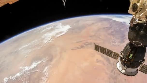 Rotierende Erde wie von der internationalen Raumstation, Time Lapse 4 k gesehen. Bilder mit freundlicher Genehmigung von Nasa Johnson Space Center. Rechts drehen