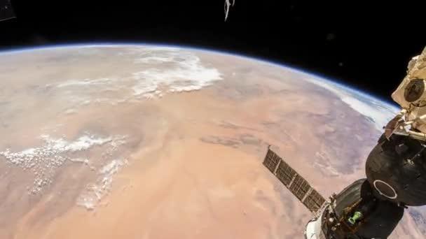 Rotierende Erde wie von der internationalen Raumstation, Time Lapse 4 k gesehen. Bilder mit freundlicher Genehmigung von Nasa Johnson Space Center. Nach links drehen