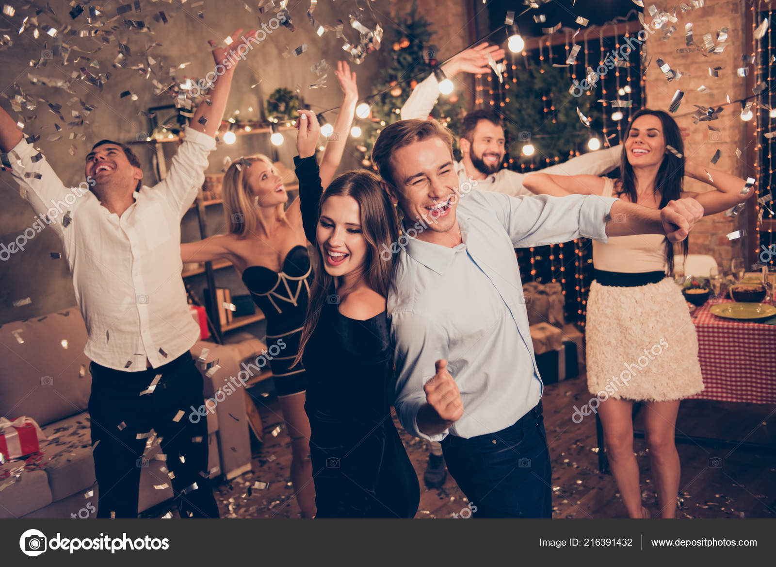 Beautiful Charmingly party wears for evening celebrations fotos