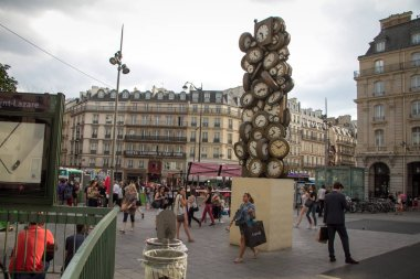 A column of clockwork at the entrance to the station San Lazar in Paris
