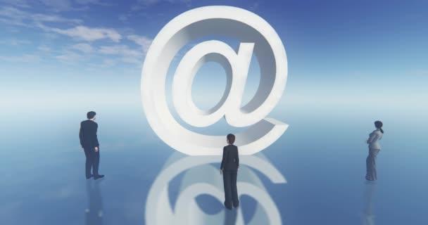 v e-mailu znaménko, obchodní muž kolem symbolu, web tech 4k.