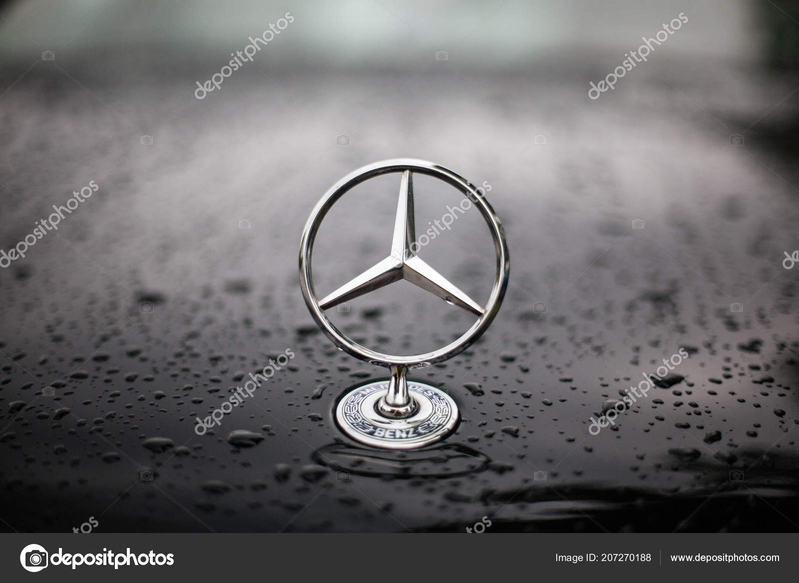 Munich Germany July 2018 Mercedes Benz Star Symbol Car Hood Stock