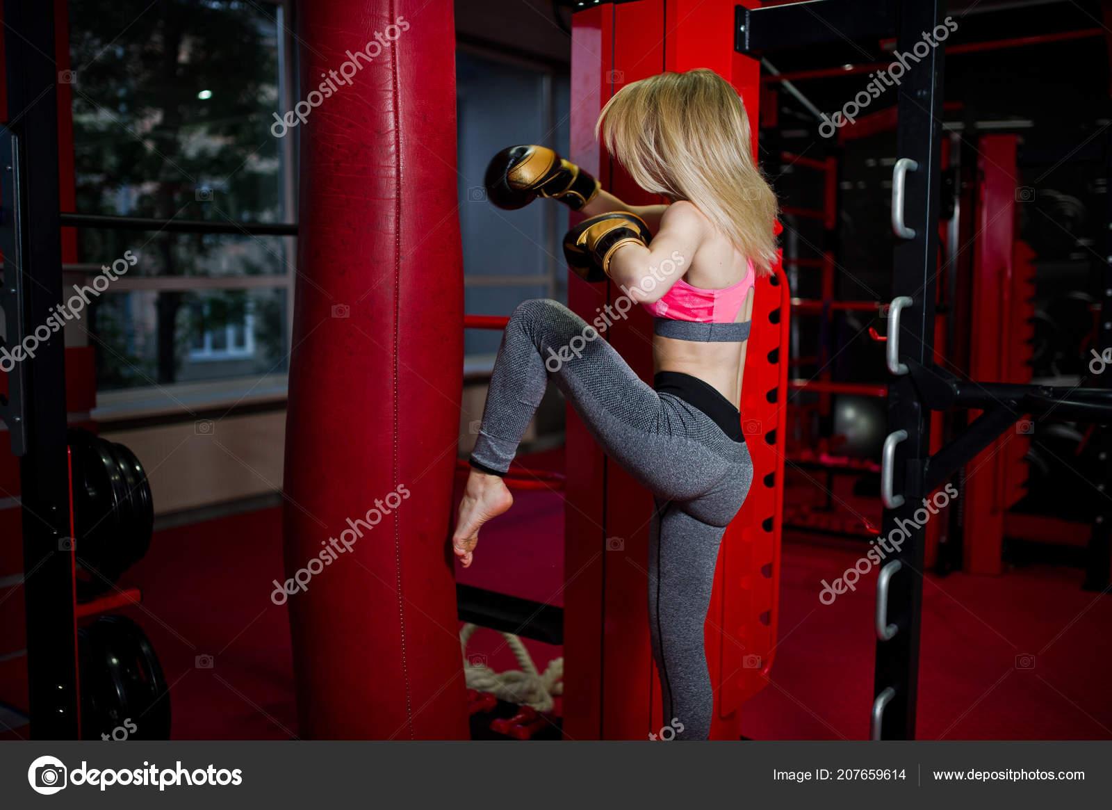 общем блондинка кикбоксер фото секса