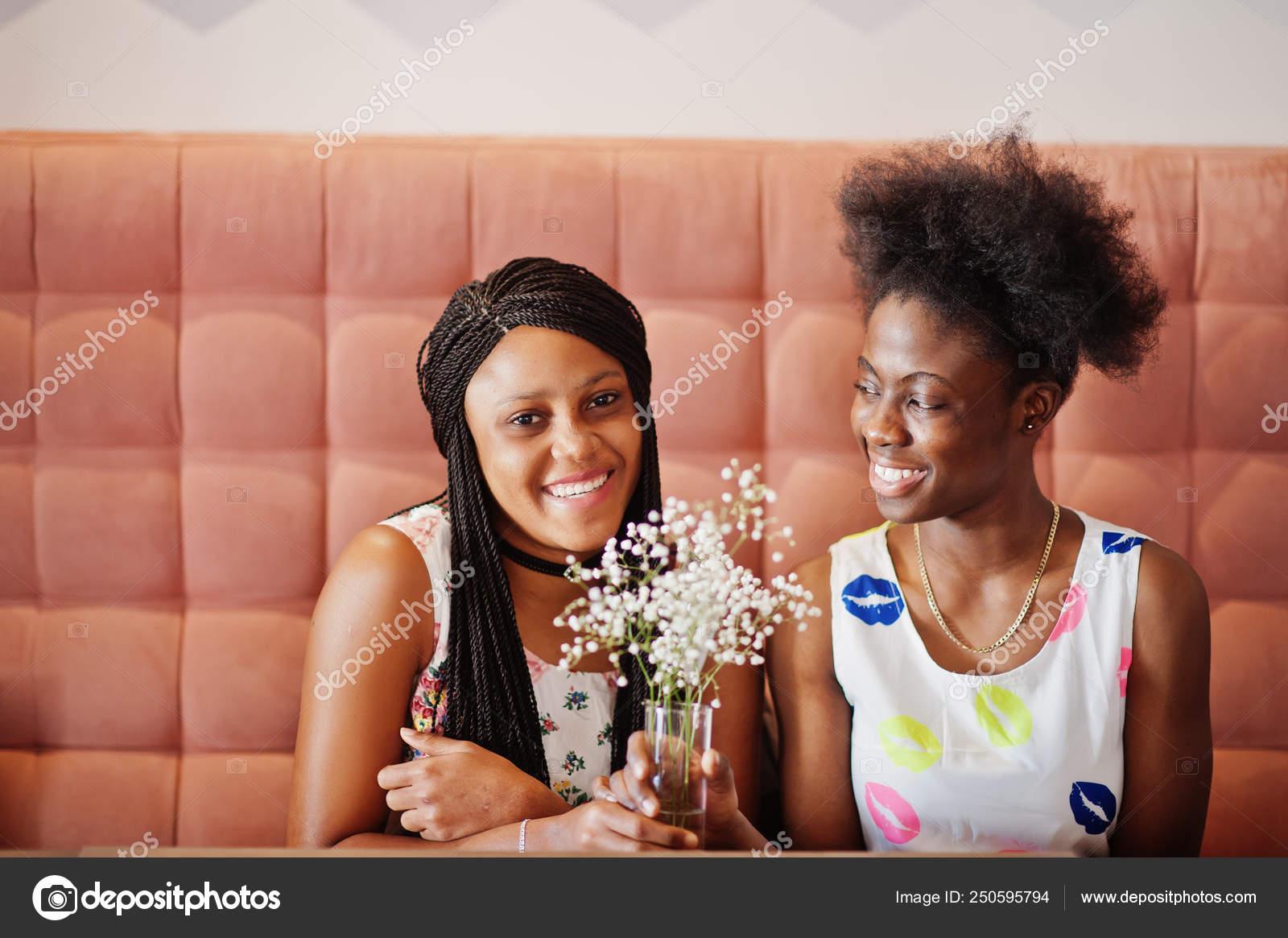 Schwarze Freundinnen