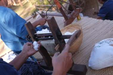 Thailand Old style cotton yarn spinning.