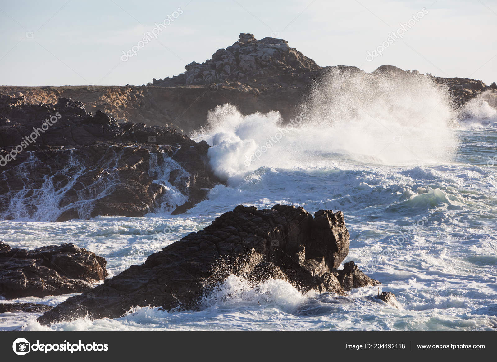 Cold Waters Pacific Ocean Crash Rocky Northern California