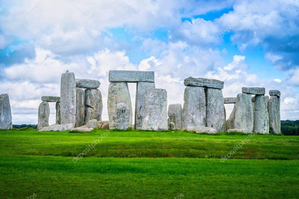 Stonehenge an ancient prehistoric stone monument, Wiltshire, UK.