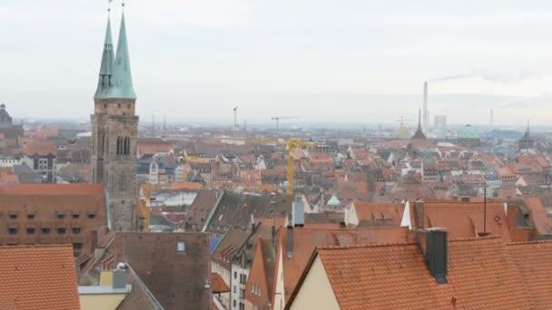 Pohled na typické německé střechy starého města Norimberku.