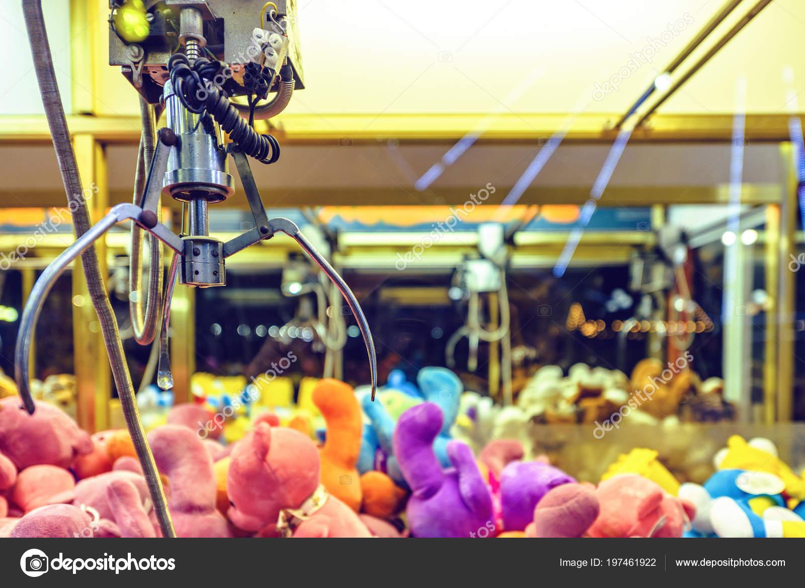 Noční Pohled Dráp Stroj Plné Barevné Plyšové Hračky Světla Svítí ... a3fc03b1b1