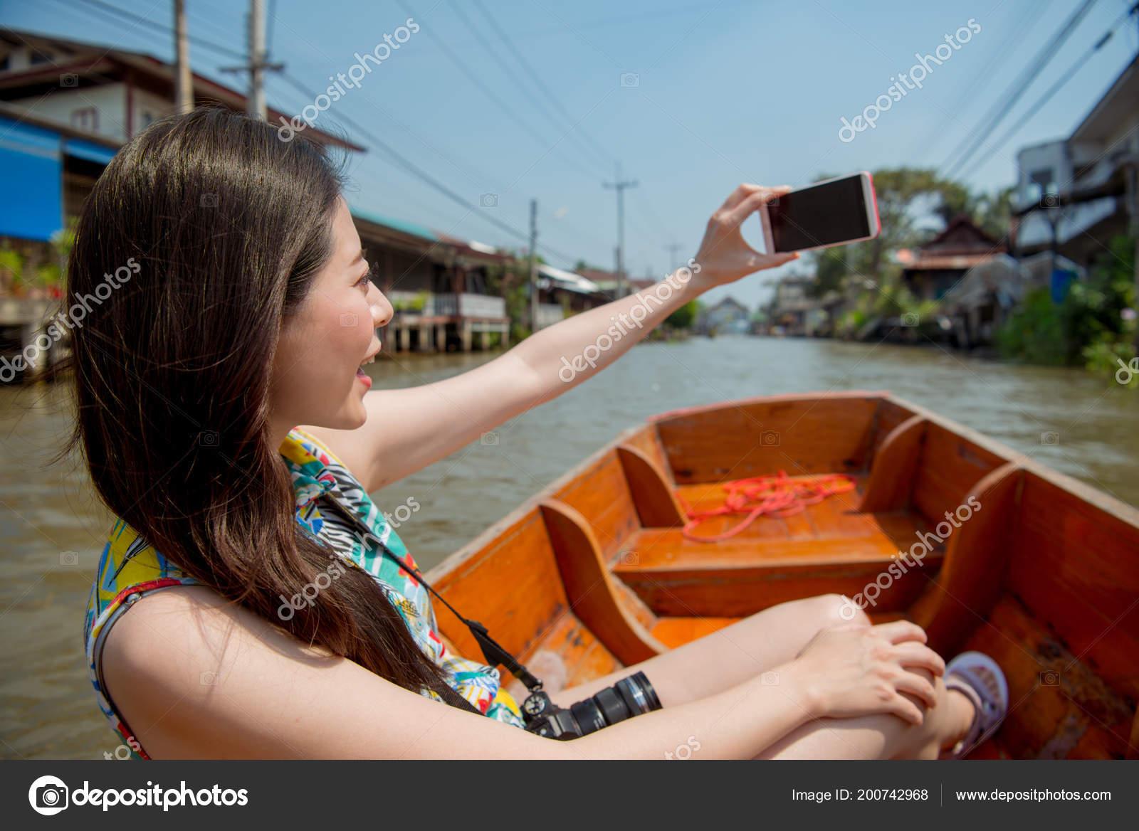 Female Traveler Selfie Her Smart Phone Damnoen Saduak