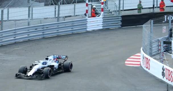 Monte Carlo, Monako-24. května 2018: F1 Grand Prix auta. Volné tréninky. Vozy formule jedna jízda velmi rychle na Grand Prix Monaka 2018 (Gp Monaka 2018) u bazénu - rozlišení 4 k