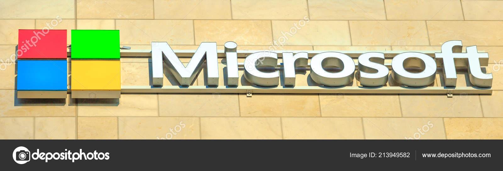 Microsoft Logo building – Stock Editorial Photo © bennymarty #213949582