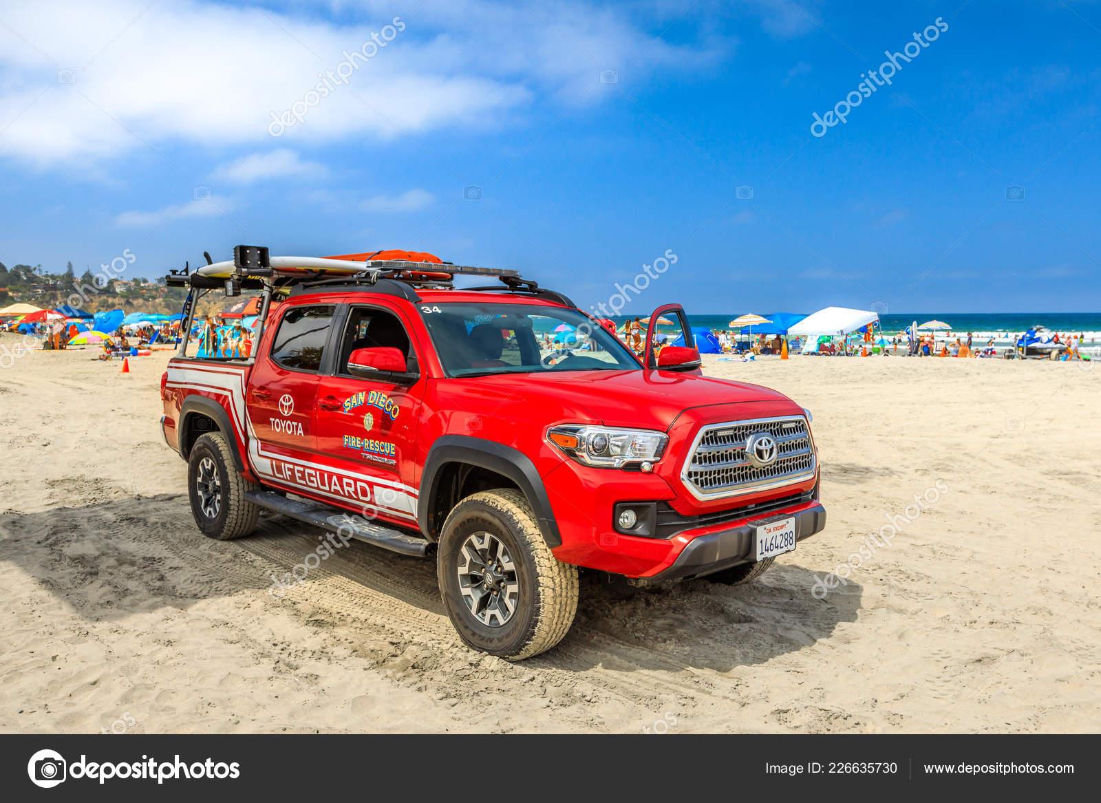 San Diego Beach fire-rescue – Stock Editorial Photo