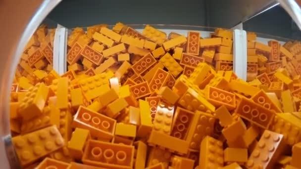 LEGO oranžové cihly zblízka