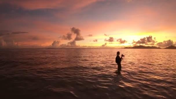 Sonnenuntergangsfotograf auf den Seychellen